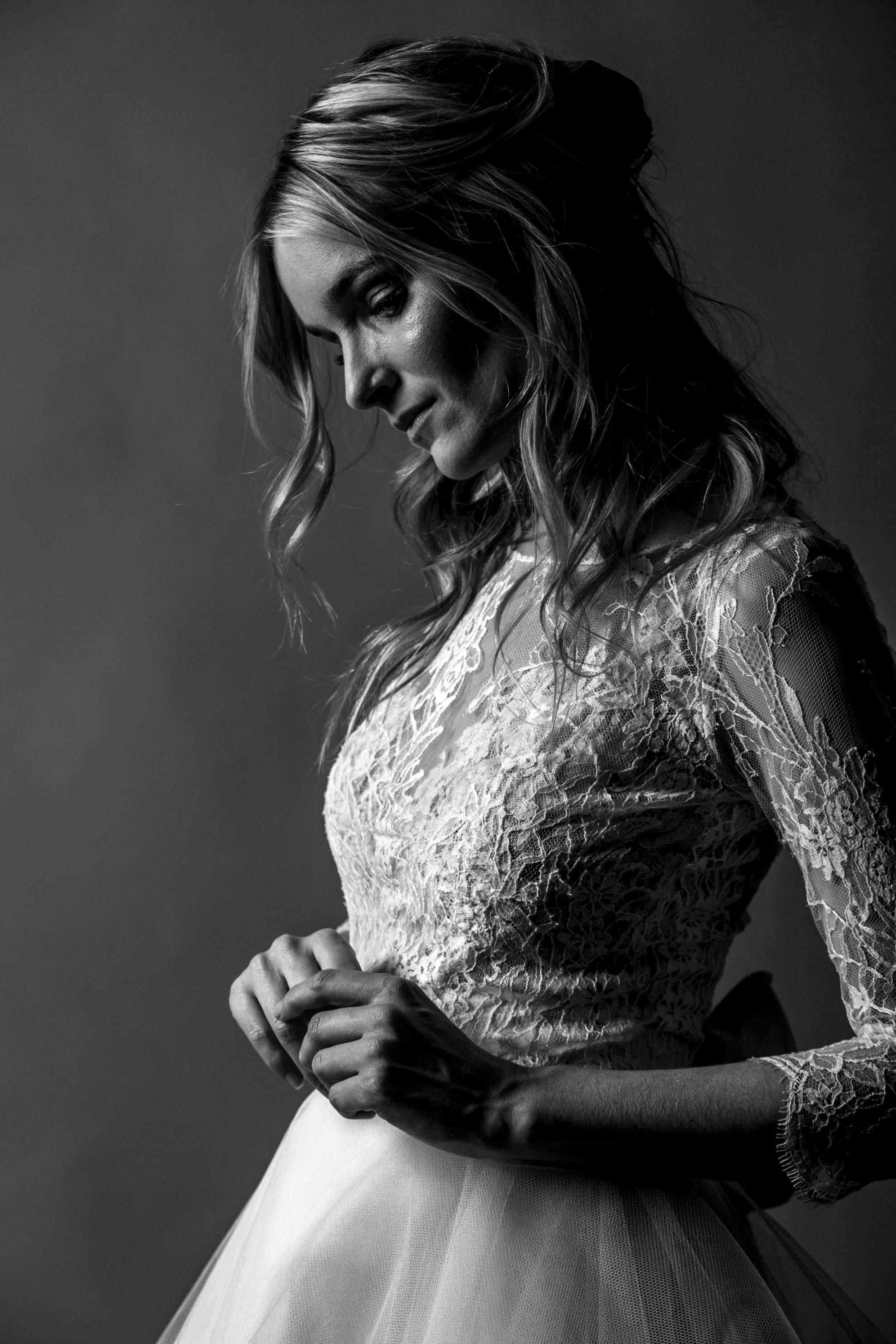 Collection Family/Time Machine/BreeCollection Avedon by David Purves. Robes de mariées sur-mesureze/Classique by David Purves. Robes de mariées sur-mesure